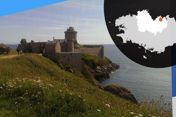 Le château de Fort La Latte, face à la mer