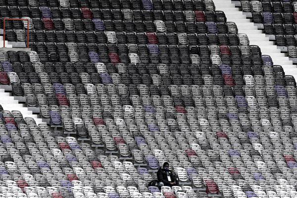 Les tribunes vides du stadium à Toulouse lors d'une rencontre de Ligue 2 contre Grenoble