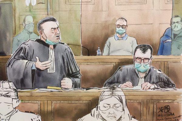 """L'avocat de la défense Franck Berton et son client Rémi Chesne, accusé de l'assassinat de Patrick Isoird dans la """"grotte sanglante"""" de Sète"""