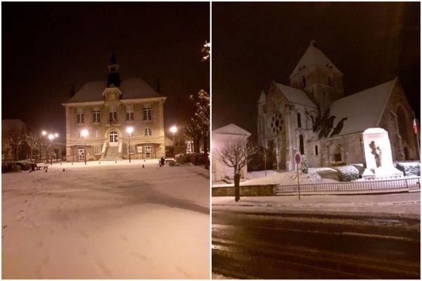 Guignicourt sous la neige, de nuit.