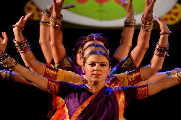 Les danseuses de l'école Nataraj Bollywood