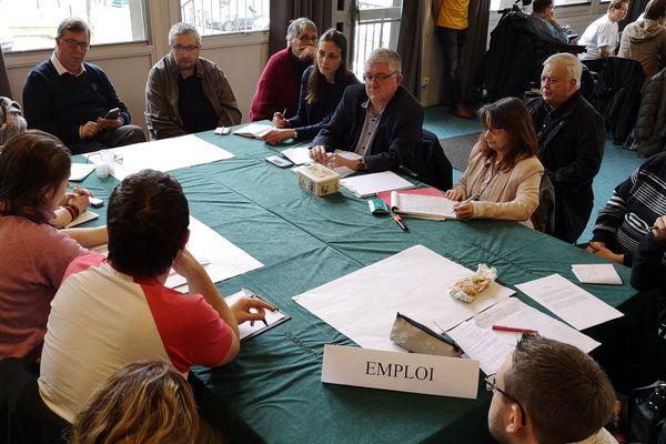 L'Association des paralysés de France a organisé une réunion publique sur le thème du handicap, dans le cadre du Grand débat national, lundi 11 février.