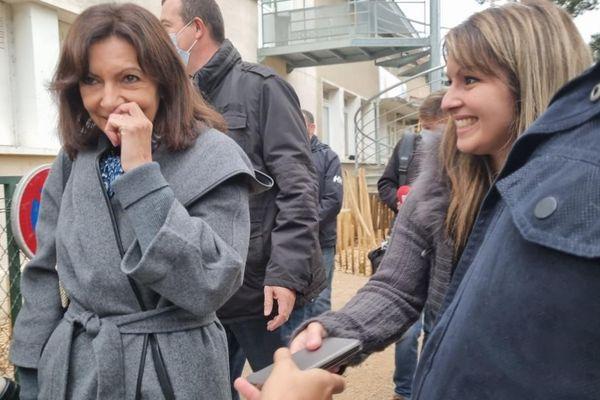 Anne Hidalgo en campagne en Isère a choisi le thème de l'école