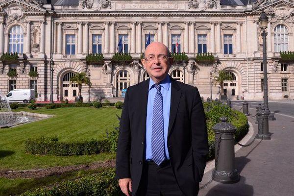 Le sénateur de l'Indre-et-Loire et ancien maire (1995-2014) de Tours a été retrouvé mort ce mardi matin.