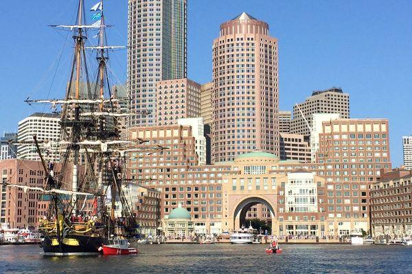 L'Hermione à Boston pour une escale de 48 heures.