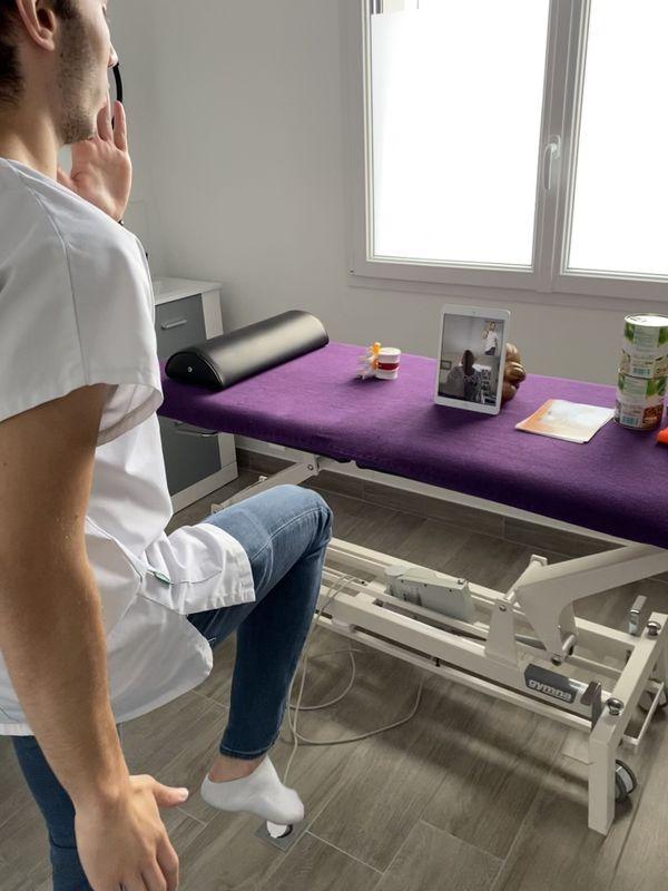 Le télésoin est particulièrement adapté aux exercices actifs, comme la rééducation ou le renforcement musculaire