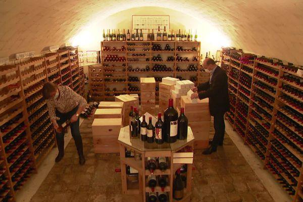 Les 1200 bouteilles de vin de cette cave située dans l'Aisne seront vendues aux enchères à Senlis dans l'Oise les 24 et 25 octobre