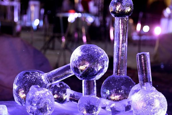 28e édition du concours international de sculptures sur glace de Valloire en Savoie.