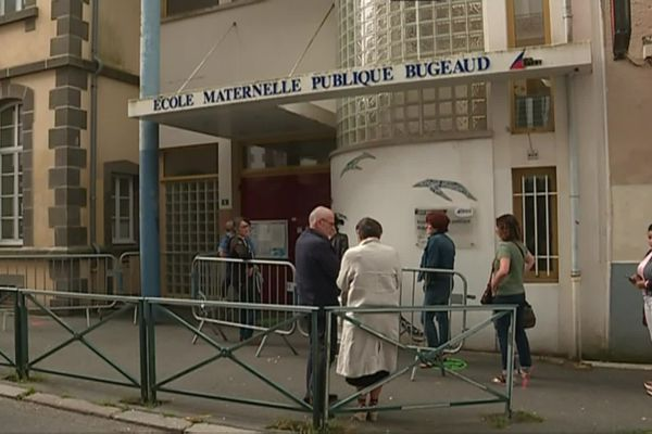 L'école porte le nom du maréchal Bugeaud depuis 1908