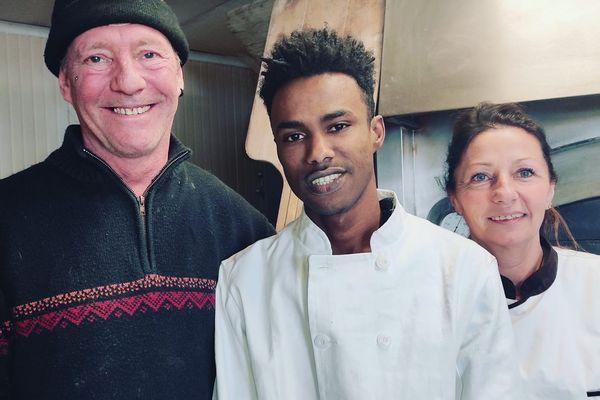 Patricia et Henry-Pierre veulent transmettre leur boulangerie à Mamadou Yaya, leur apprenti en situation irrégulière. Patricia Hyvernet (à droite) a entamé une grève de la faim.