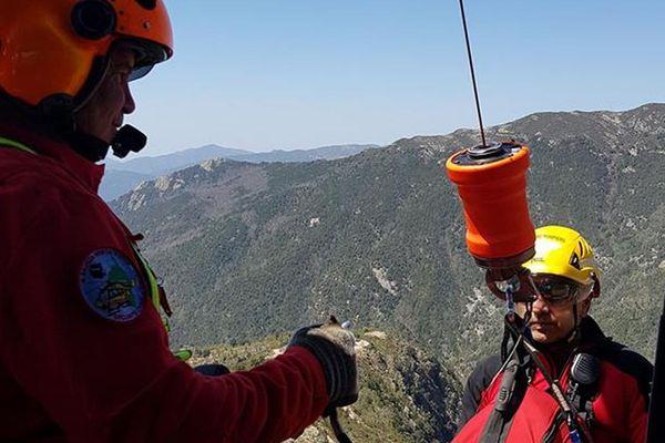 Intervention des sapeurs-pompiers du Groupe Montagne et Secours Périlleux (GMSP) de la Corse du Sud.