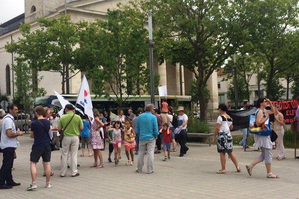 manifestation contre le gel de postes en Vendée