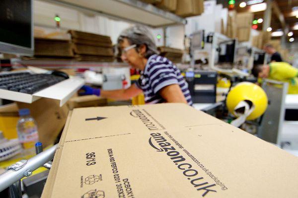 """Amazon propose chaque année à ses salariés une """"offre"""" de démission contre prime"""