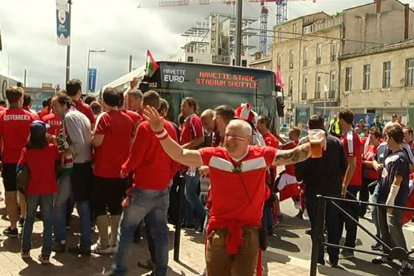 Les supporters de l'Euro 2016 sont transportées par des navettes spéciales
