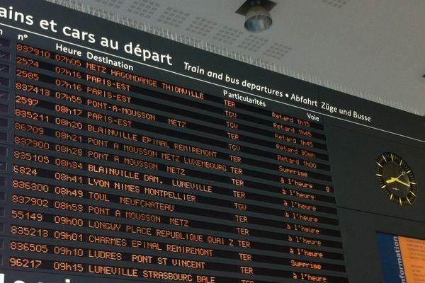 Retards et suppressions de trains en Gare de Nancy le 17 avril 2013.