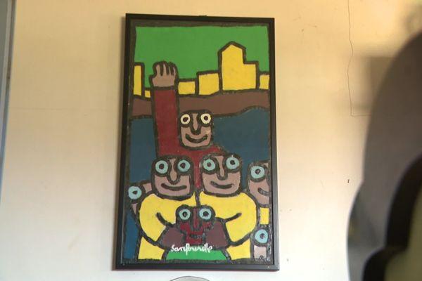 Des personnages colorés aux yeux ronds, la signature de Sanfourche