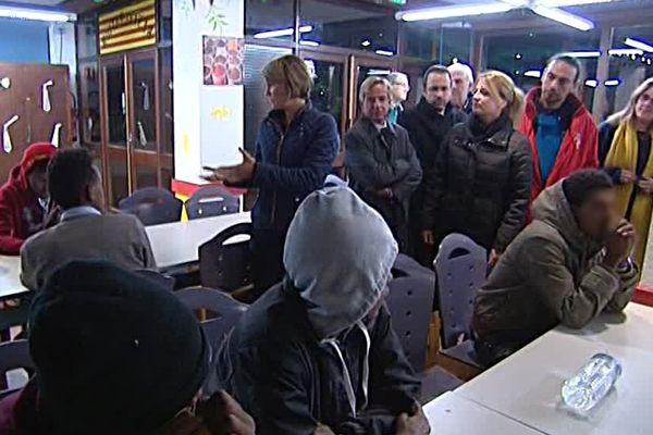 Arrivée de jeunes migrants de Calais à Sainte-Marie-la-Mer dans les Pyrénées-Orientales la nuit du 2 au 3 novembre 2016