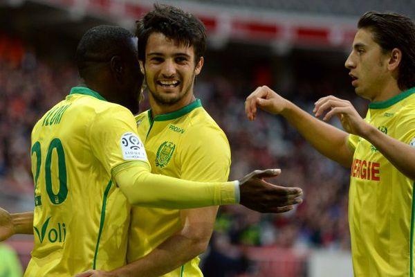 Le joie de Bedoay, Iloki et Dubois après le but du FC Nantes face au LOSC