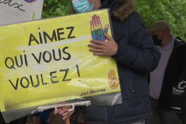 La marche a rassemblé environ 300 personnes à Besançon.
