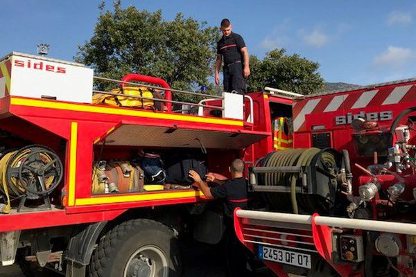 Incendies – 60 pompiers d'Ardèche toujours en renfort en Haute-Corse
