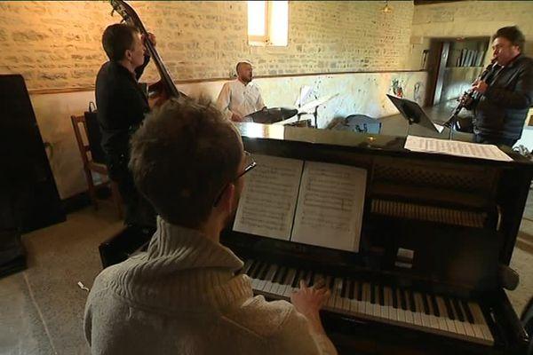 """Le clarinettiste Louis Sclavis à la Ferme Culturelle du Bessin pour la cinquième édition de """"Jazz dans les Prés""""."""