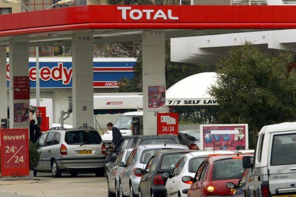 ILLUSTRATION. Le prix du carburants est en moyenne 6,7% plus élevé en Corse que sur le Continent.