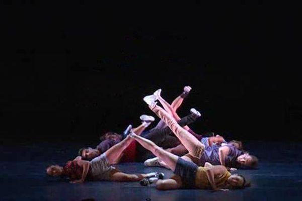 La compagnie du chorégraphe Benjamin Millepied, ancien  directeur de la danse à l'Opéra de Paris se produisdait ce lundi au Festival de Vaison la Romaine.