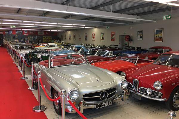 """Le nouveau bâtiment de """"Paul's classic cars"""" accueille 150 voitures."""