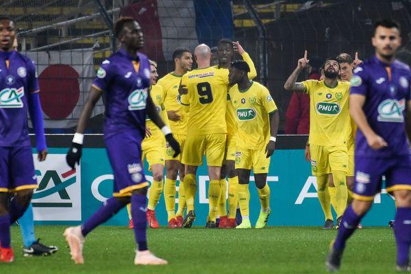 La déception des joueurs de Toulouse, sortis par les Nantais de la Coupe de France