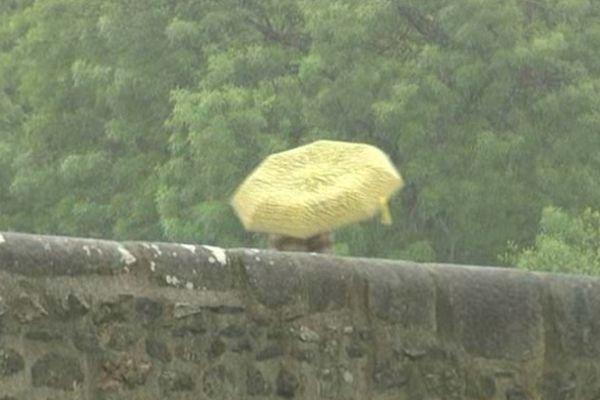 Parapluies et manteaux seront de rigueur demain, encore!