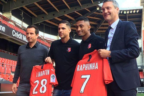 Les deux nouvelles recrues du Stade Rennais : Raphinha et Jonas Martin ont été présentées ce mardi.