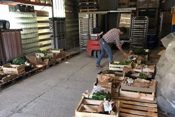 Les producteurs du département de l'Aude se réunissent une fois par semaine pour récupérer les produits - mai 2020