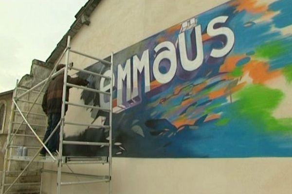 Des graffs pour l'anniversaire de la communauté Emmaüs de La Couronne à Angoulême.