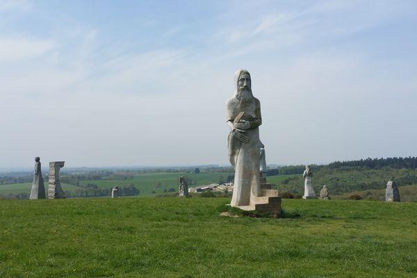 La Vallée des Saints s'apprête à recevoir sa centième statue