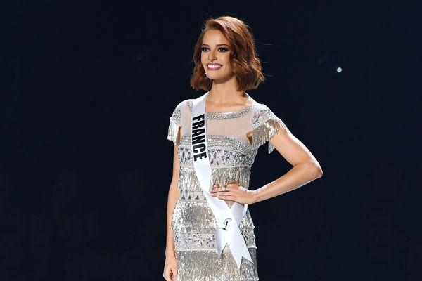 Maëva Coucke lors du concours Miss Univers le 9 décembre 2019