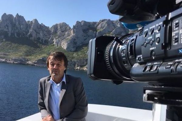 Nicolas Hulot va visiter l'île du Frioul à Marseille.