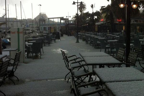 15/03/2013 - Averse de grêle sur le port d'Ajaccio vendredi matin