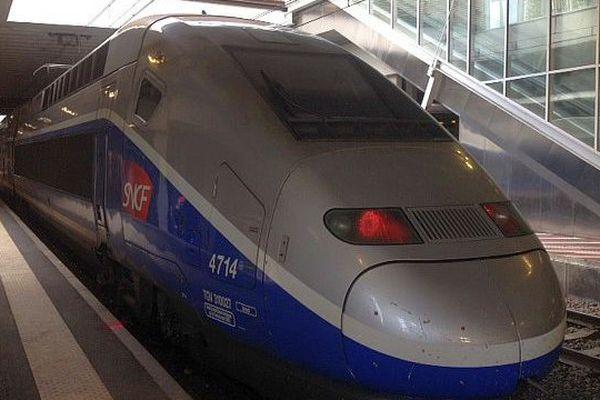 Archives. TGV en gare Saint-Roch à Montpellier