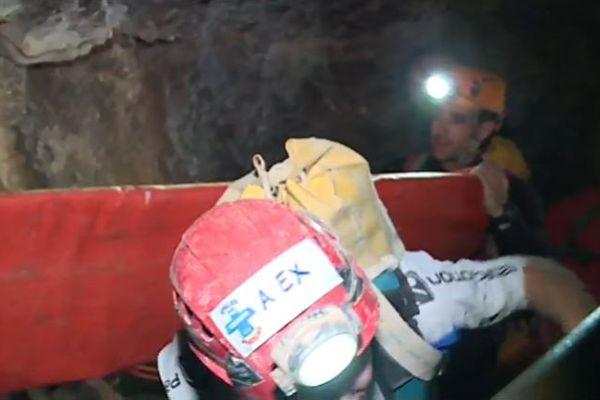 Des spéléologues confirmés engagés pendant 30 heures ce week-end dans un exercice de secours grandeur nature à Laruns en Béarn.