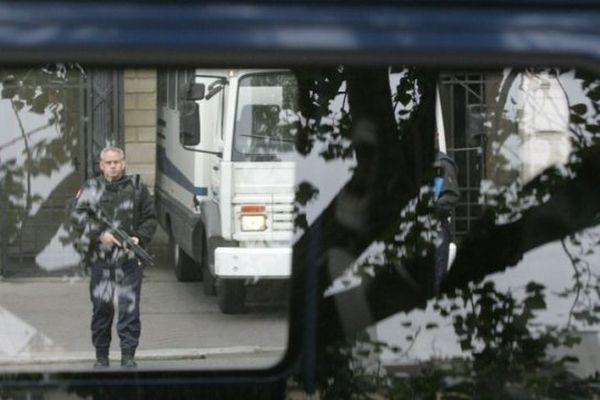 Trois personnes ont été transférées à Paris pour être présentées devant le parquet antiterroriste (Illustration)