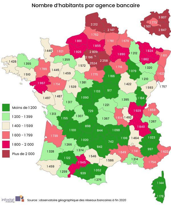 Les départements de l'Aveyron et de l'Ariège comptent moins de 1 000 habitants par agences.