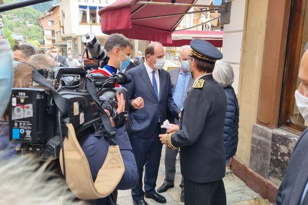 Jean Castex dans les rues de Bourg-Saint-Maurice, le 27 mai 2021.
