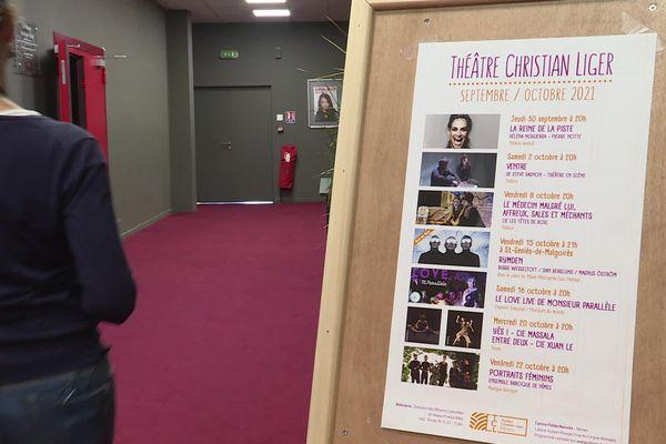 Le théâtre Liger de Nîmes espère retrouver son public après deux années d'absence dues à la crise sanitaire.