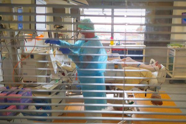 Des hospitalisations en baisse en Occitanie, mais l'ARS appelle à ne pas baisser la garde, l'épidémie de Covid n'est pas terminée