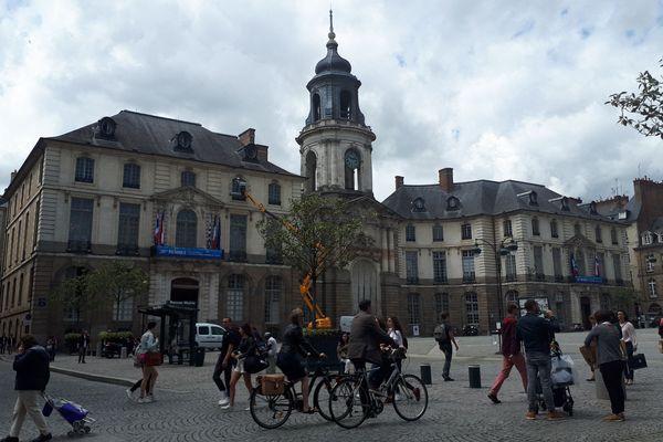 La population a légèrement augmenté en Bretagne, grâce au solde migratoire.