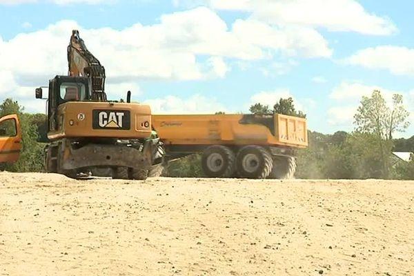Depuis octobre 2017, un parking de 650 places est en cours de construction près du stade de Chambly
