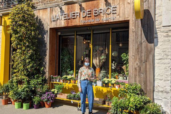 la vente est autorisée chez les fleuristes, les jardineries et les enseignes de la grande distribution