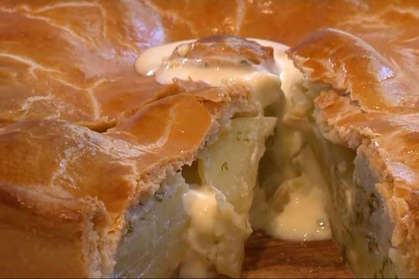 Au fin des années, le pâté aux pommes de terre est devenu un incontournable de la gastronomie de l'Allier.