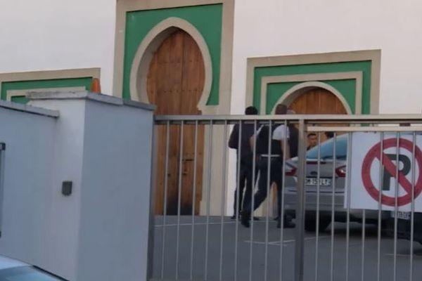 Deux hommes âgés de 74 et 78 ans ont été blessés par les tirs de Claude Sinké dans l'attaque de la mosquée de Bayonne le 28 octobre 2019.