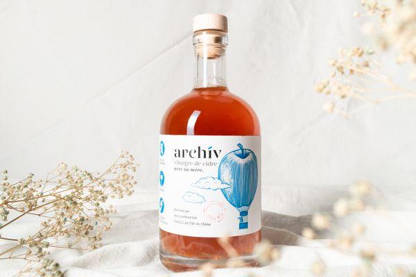 C'est le produit phare de l'entreprise : un vinaigre de cidre biologique issu d'un terroir ornais.
